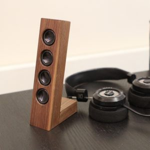 Wooden desktop speakers concept 1